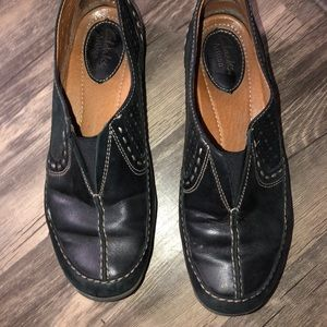 Clark's women's size 6.5 black leather loafers